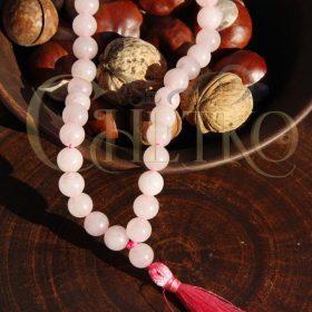 Четки из розового агата с малиновой кисточкой 33 бусины
