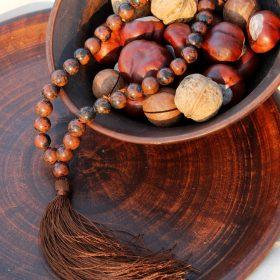 Четки из коричневого обсидиана на 33 бусины с коричневой кисточкой
