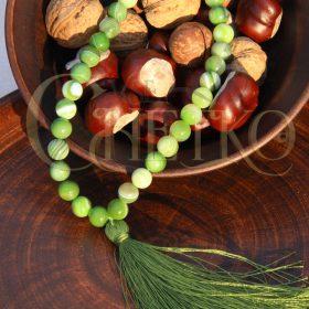 Кузнец Четки из зеленого агата 33 бусины 10 мм с салатовой кисточкой