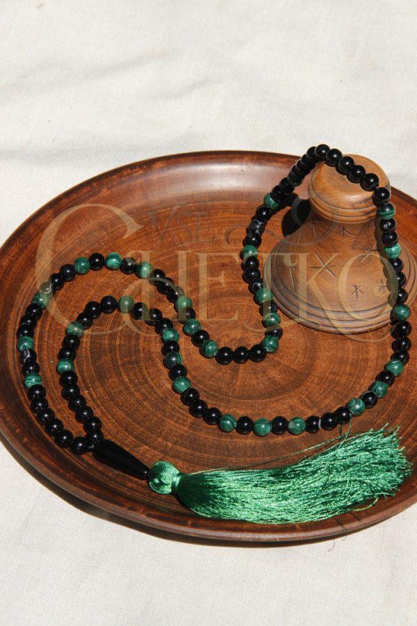 Зеленая миля Четки мала из черного агата и малахита с кисточкой на 108 бусин d8 мм